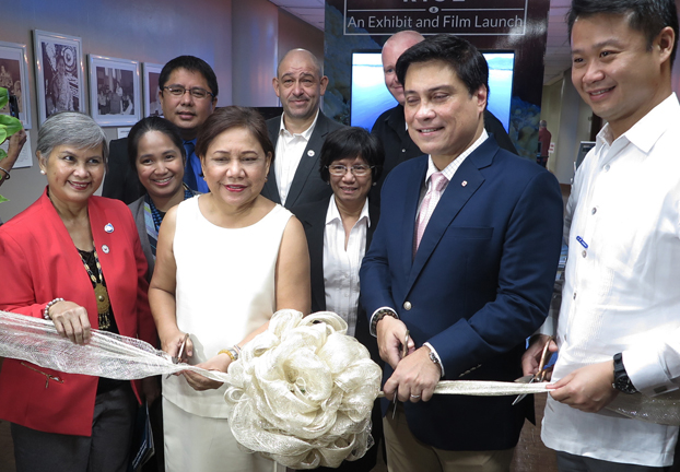 Oceana Vice President Gloria Estenzo Ramos with Senators Cynthia Villar, Miguel Zubiri and Sherwin Gatchalian, plus staff and allies at the launch of Oceana's exhibit on the Philippine Rise at the Senate of the Philippines. (Oceana)